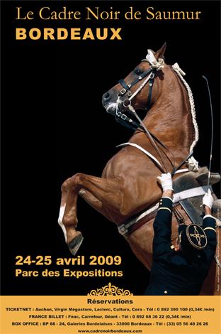 http://www.mediation-animale.org/wp-content/uploads/2009/04/cadre-noir-de-saumur-a-bordeaux.jpg